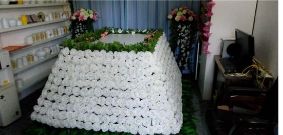 超五成人愿为宠物买殡葬服务 僧人超度要1万元